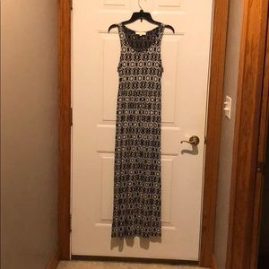 Loft size medium maxi dress. Navy and white.